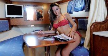 positano-cabin-28-nautica-esposito-seduta