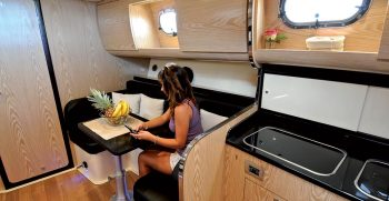 positano-cabin-38-nautica-esposito-dinette