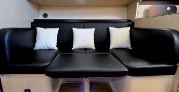 positano-cabin-38-nautica-esposito-divano